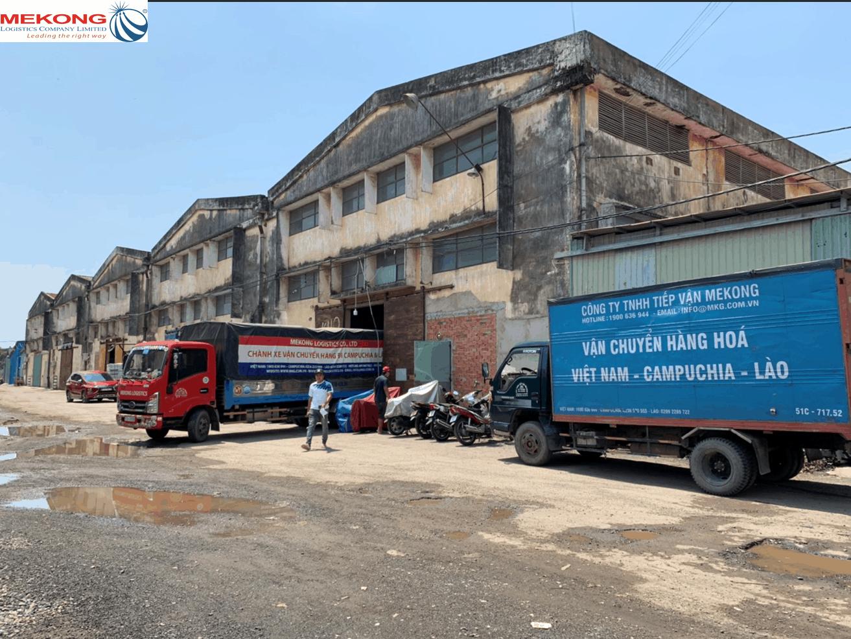 mekong logistics có đội xe riêng chuyển hàng đi campuchia
